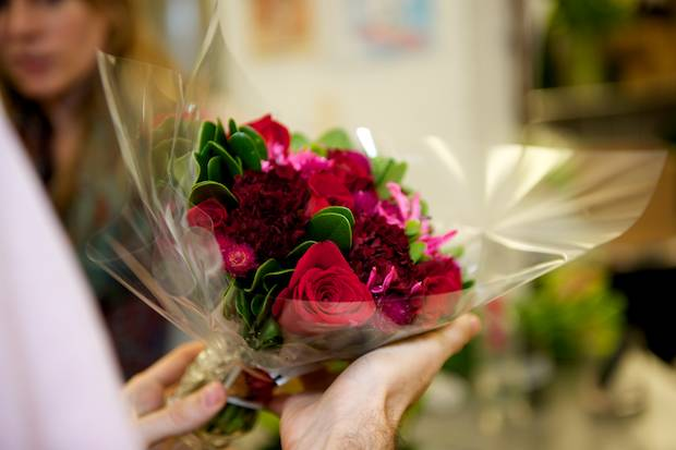 Flower delivery, local florist surprise, amazing flowers online